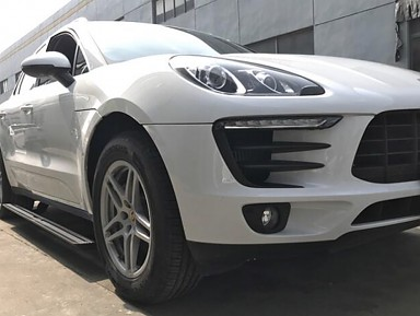 Automatic Side Footrest for Porsche Macan